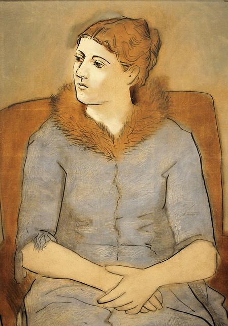 Pablo Picasso - Madame Picasso, 1923