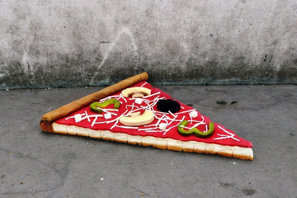 lor-k-french-artist-street-food-discarded-mattresses-designboom-04.jpg